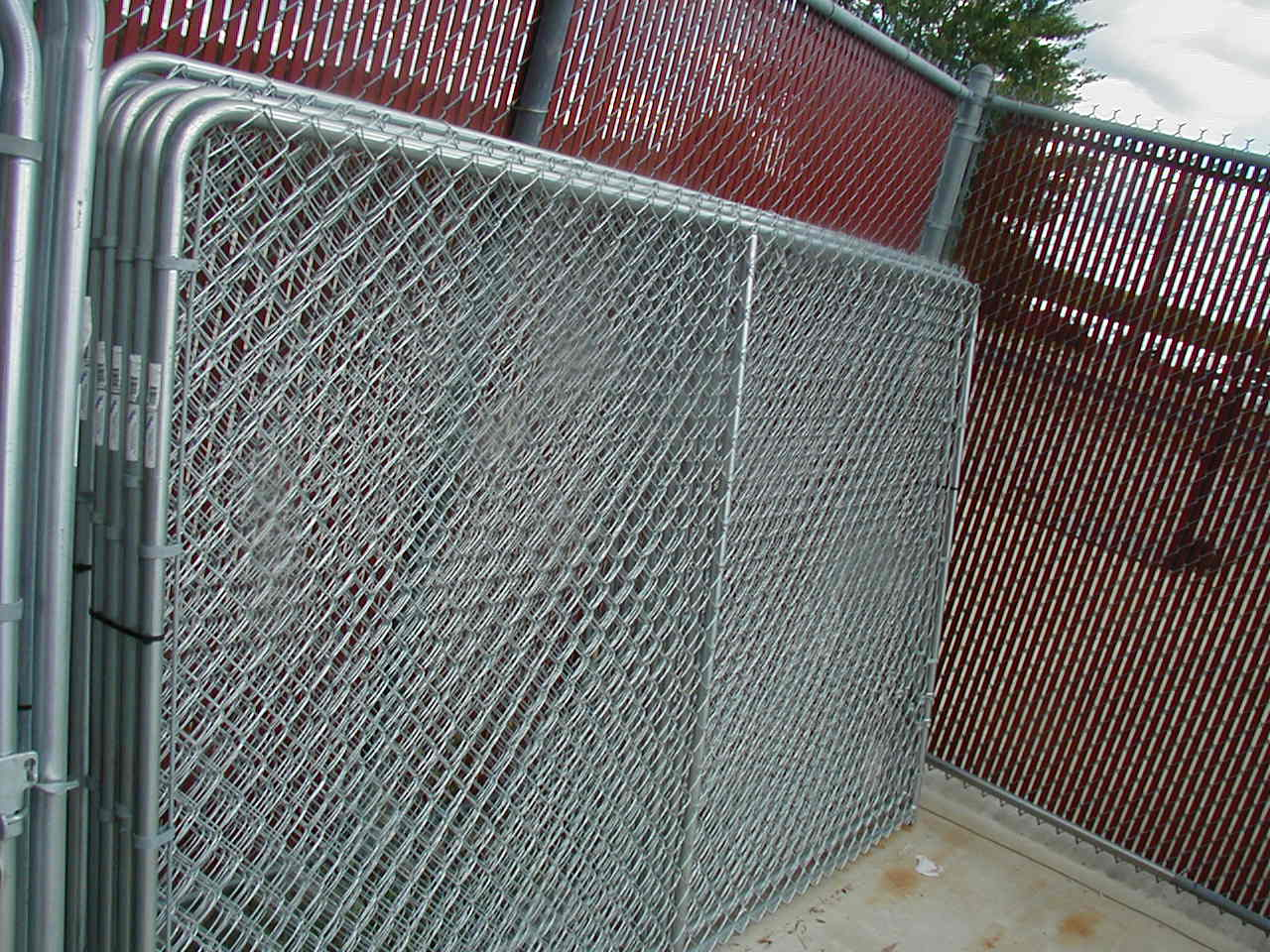 Build Chain Link Dog Kennel